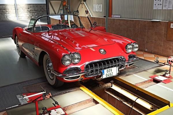 ZChevrolet Corvette na lince STK kopie